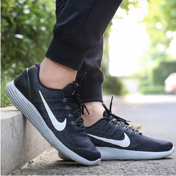 NWT Nike Lunarglide 9 Black M AUTHENTIC